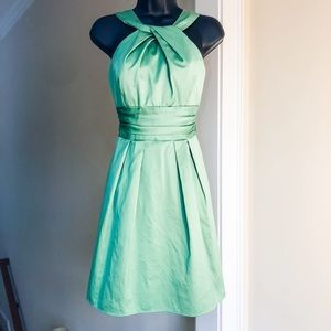 DAVIDS BRIDAL sz 2 green dress grass green color